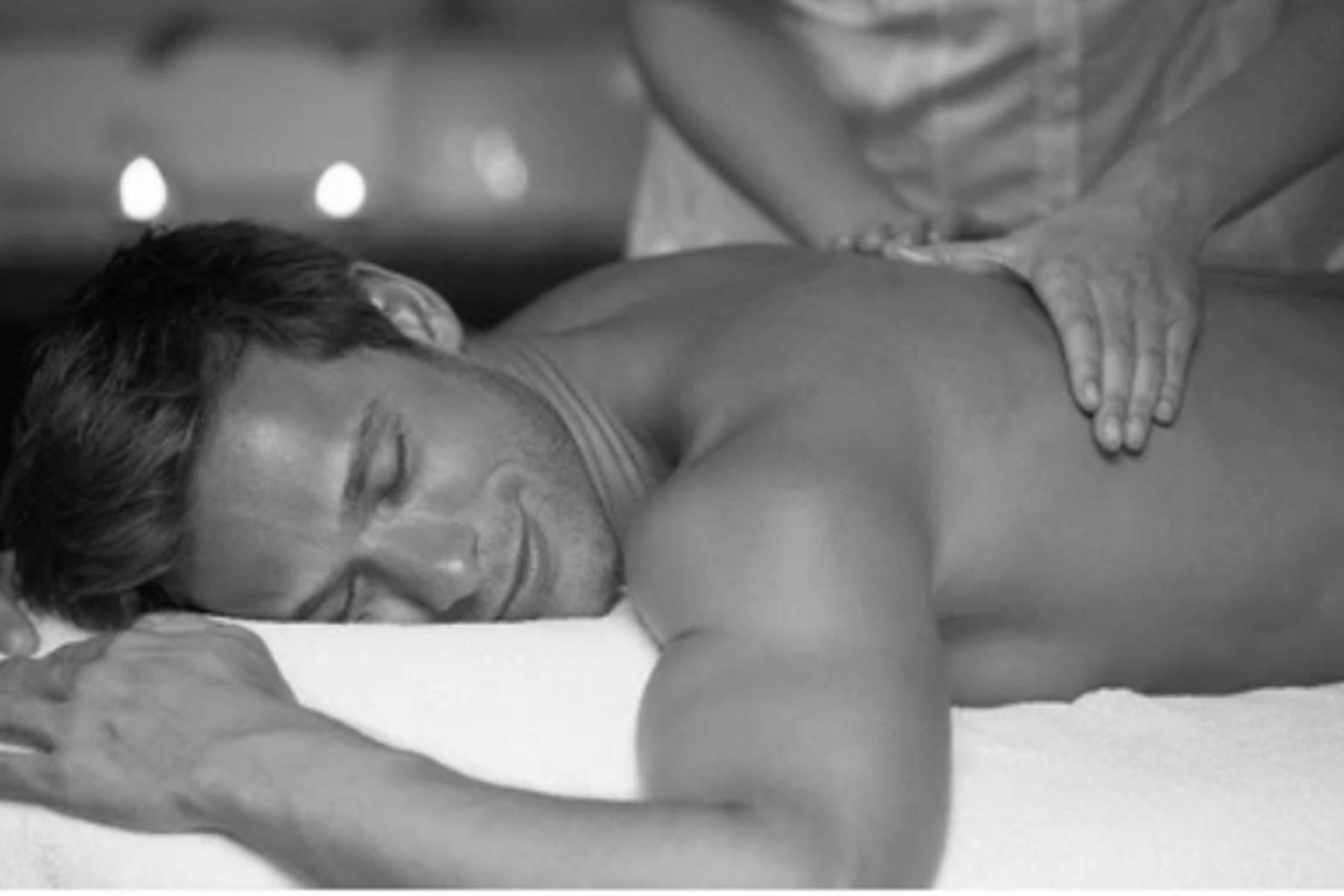 reading-massage1bw